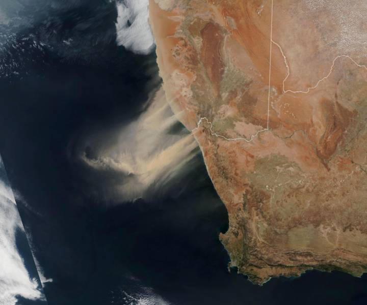 african_dust_storm_as_seen_from_space.jpg
