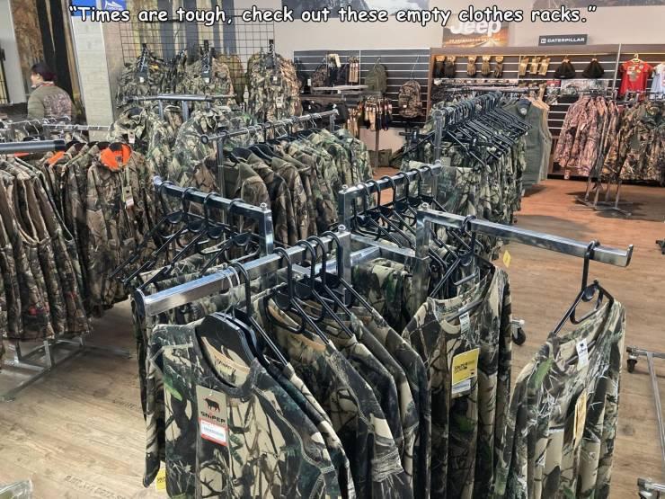 empty_clothes_racks.jpg