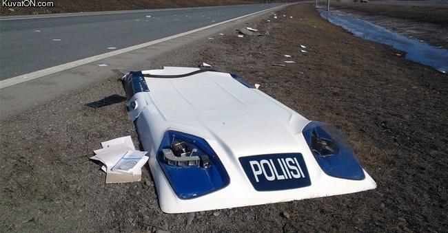 poliisiautosta_tuli_avoauto.jpg