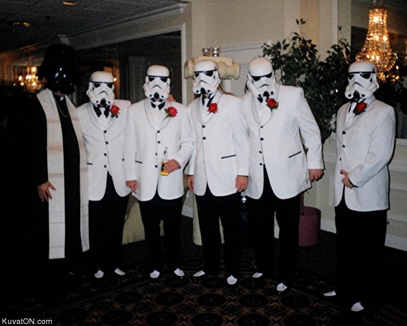 L'univers des Geeks - Page 2 Starwars_wedding