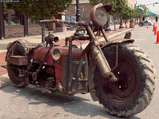 traktorista_tehty_moottoripyora.jpg