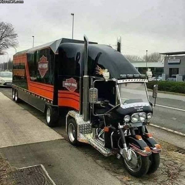 wtf_is_that_truck.jpg