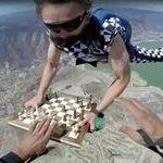 shakkipeli_ilmassa.jpg